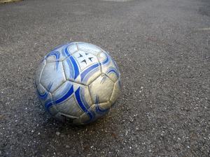 サッカーボール 2400×1800
